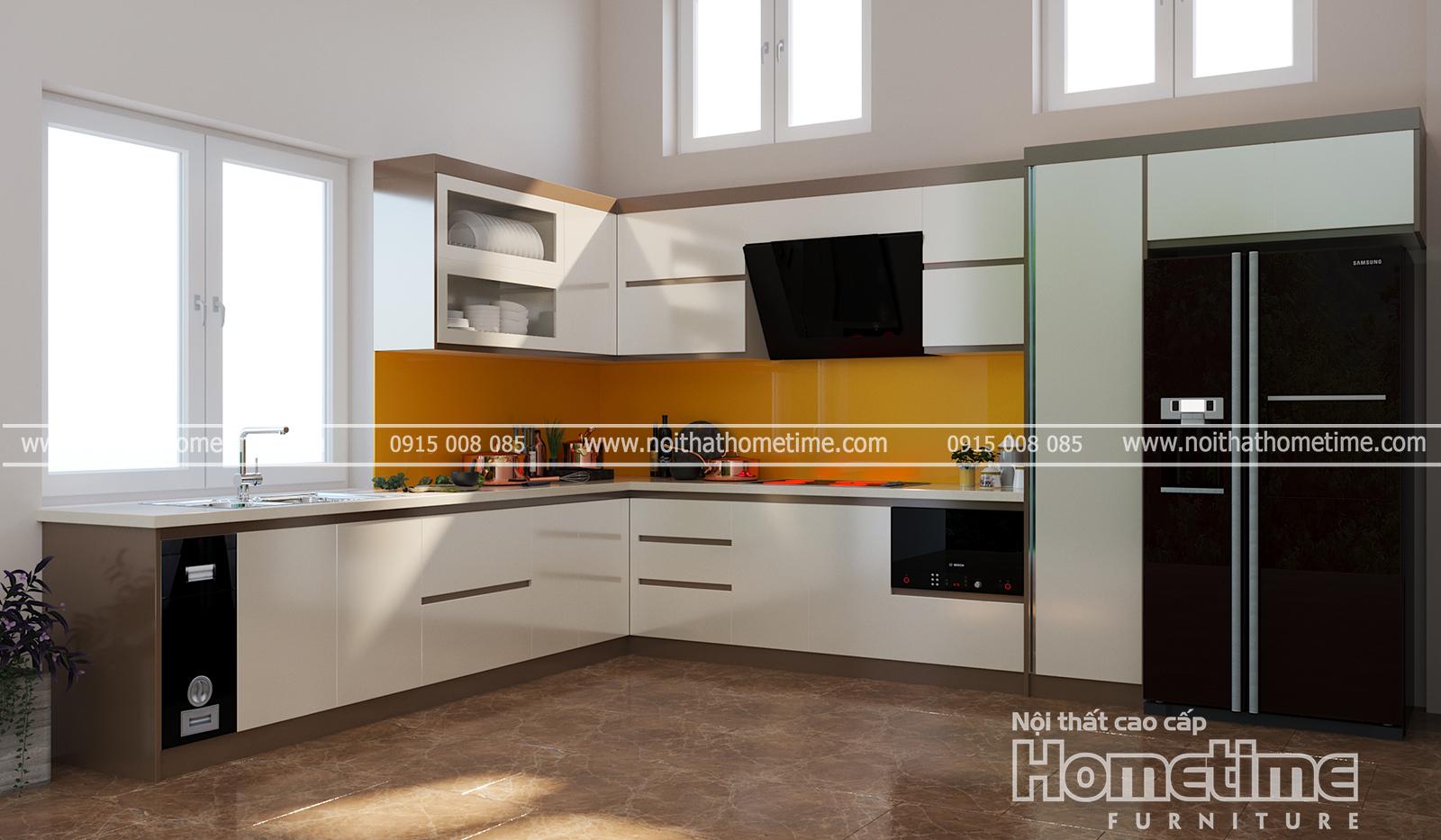 Tủ bếp nhựa phủ acrylic bóng tráng giương kết hợp với cửa sổ rộng