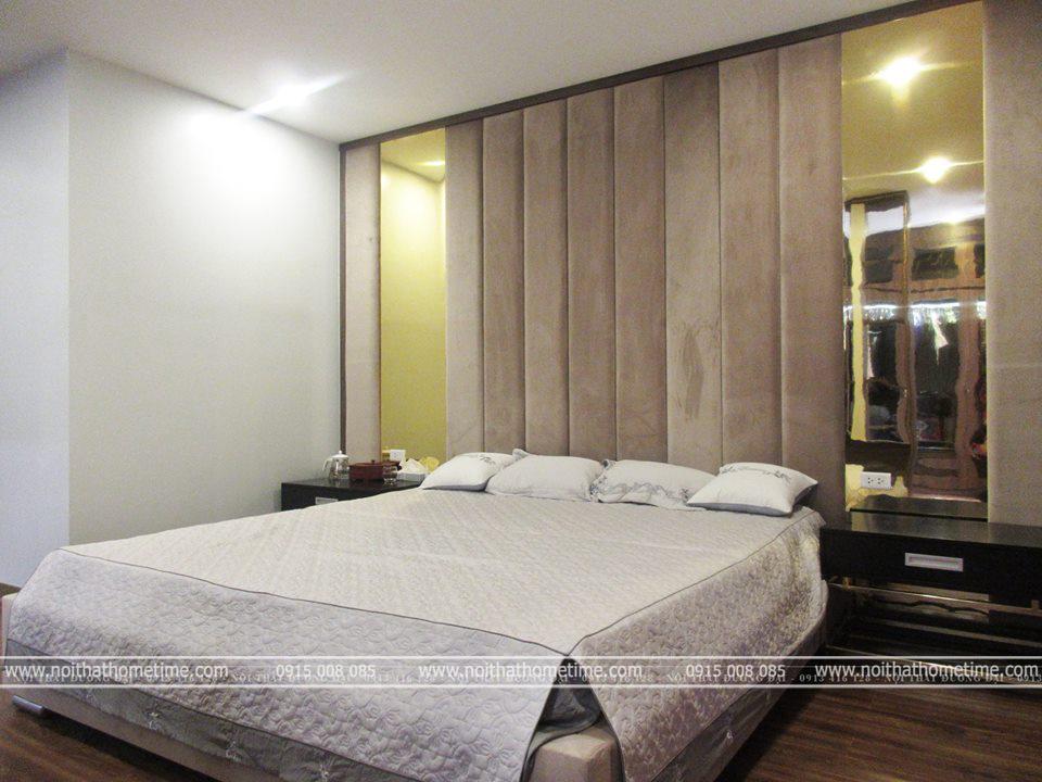 Chiếc giường khá rộng với kích thước 2m x 2,2m