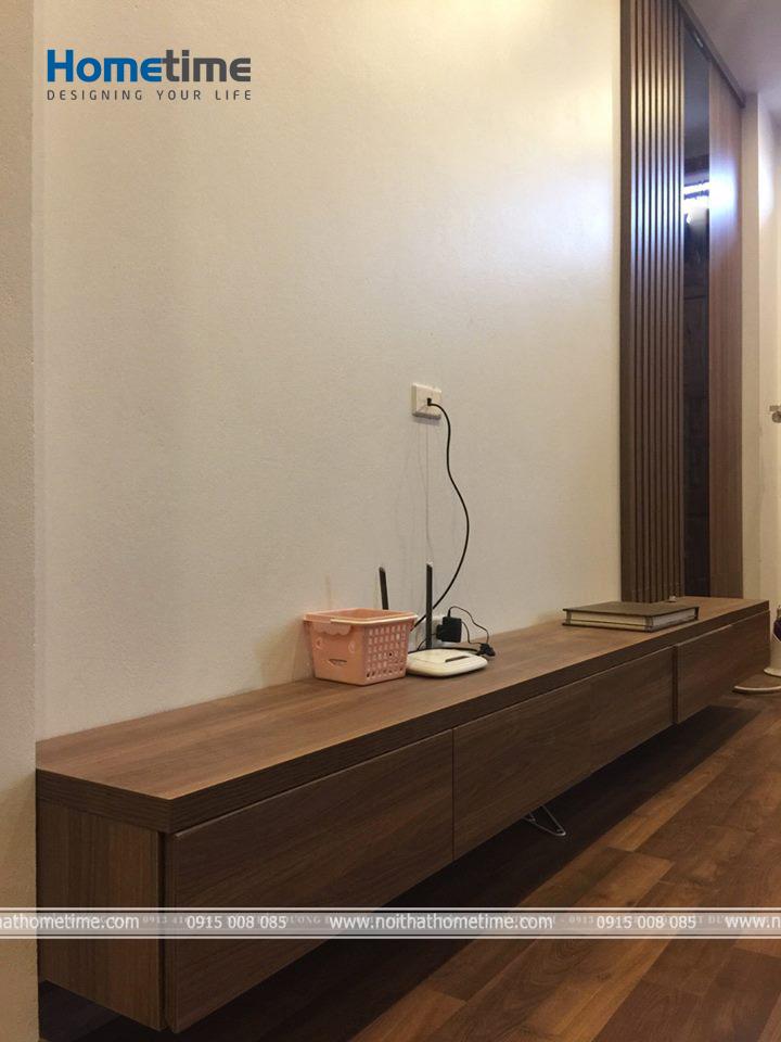Kệ tivi được đặt trong phòng ngủ