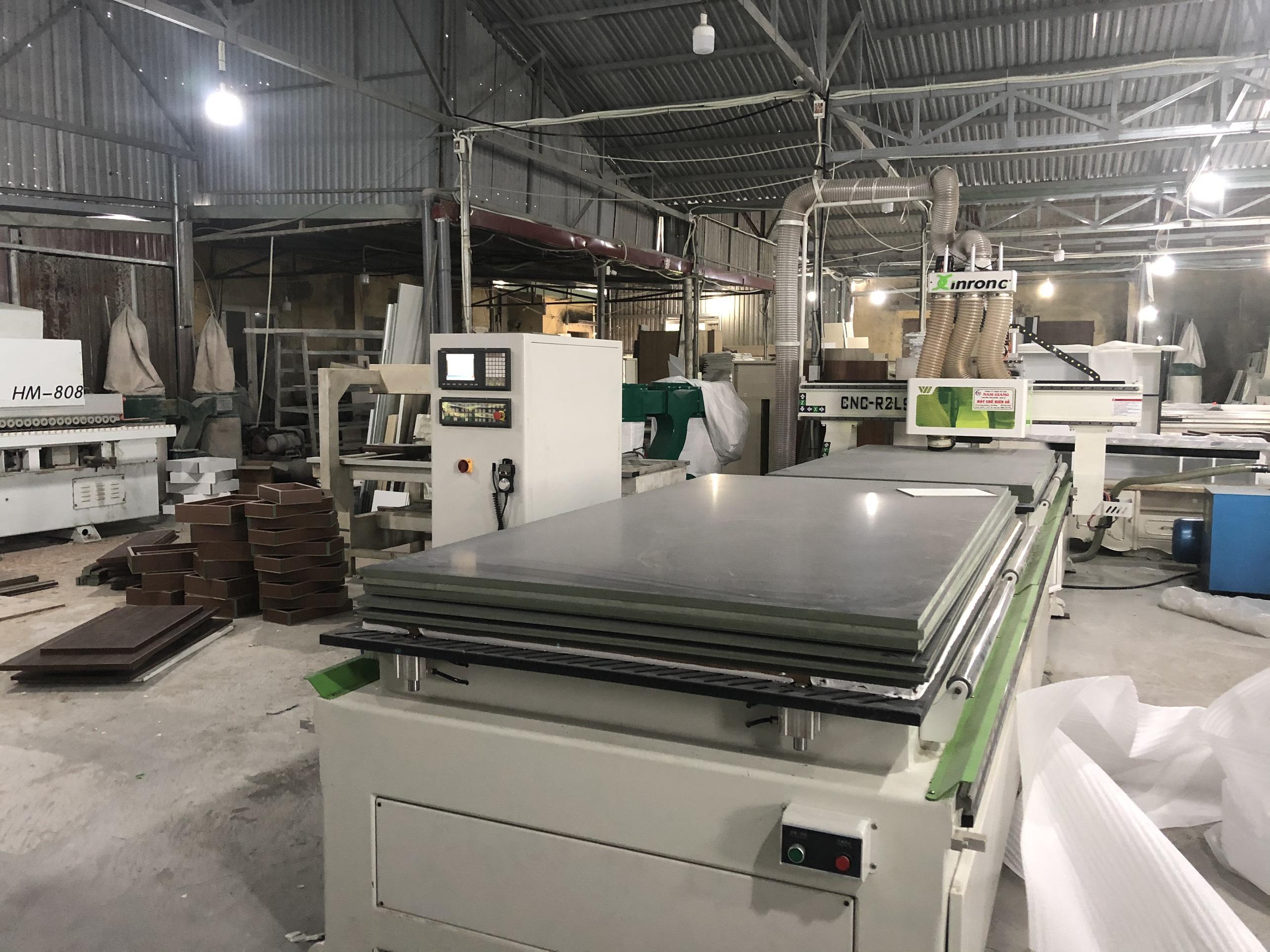 Xưởng sản xuất nội thất Hometime với máy CNC trung tâm